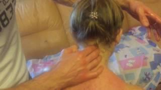 При головной боли, ШЕЙНЫЙ ОСТЕОХОНДРОЗ, холка на шее и онемение рук