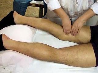 Как правильно делать массаж нижних конечностей (массаж ног)
